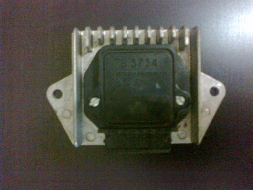 Облазив просторы интернета нашел схему коммутатора 46.3734, работающего с индуктивным датчиком 17.3847.